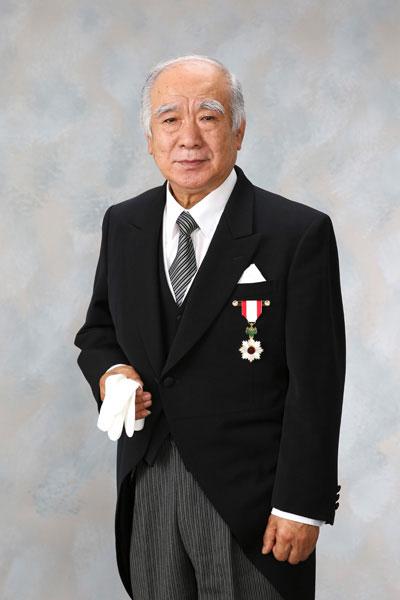 旭日章 叙勲記念写真 モーニング礼服男性