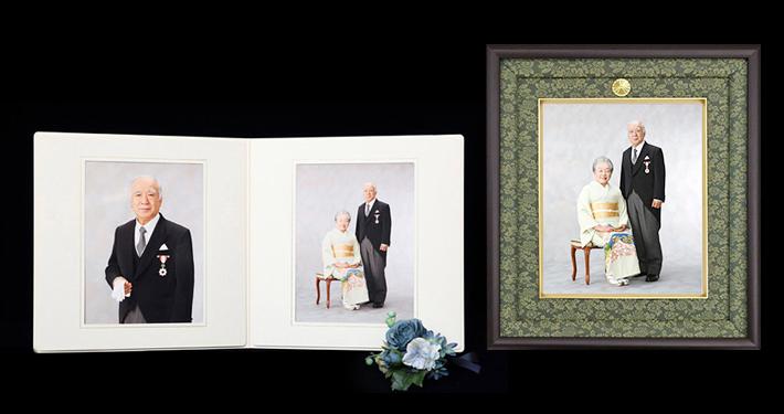 叙勲・褒章の記念写真2ポーズに菊紋入の専用額焼き増しを付けたセット